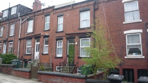 Thumbnail Terraced house to rent in Colenso Grove, Holbeck, Leeds