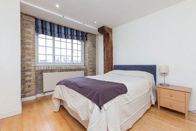 Bedroom of Shad Thames, London SE1