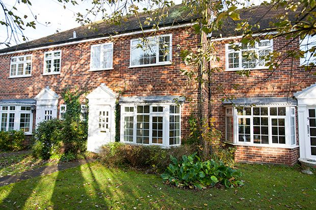 Thumbnail Terraced house to rent in 4 Chestnut Cottages, Streatley On Thames
