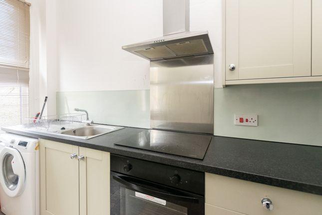 Flat 3 Kitchen 2 of Oakwood Avenue, Leeds LS8