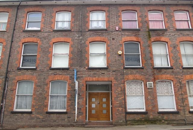 Thumbnail Flat to rent in Park Street West, Luton