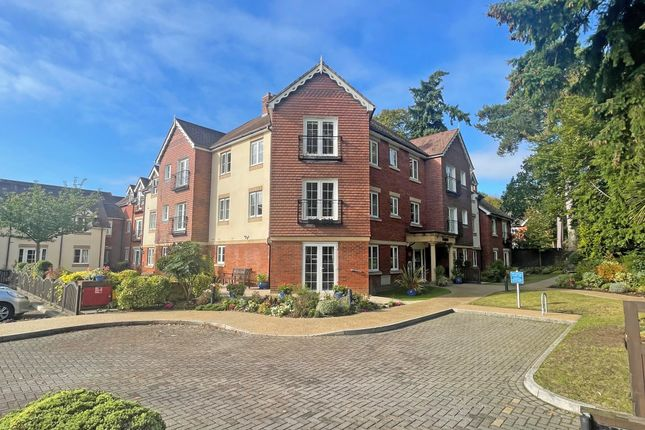 1 bed property for sale in Cadogan Court, Brankesomewood Road, Fleet GU51