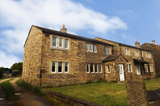 Thumbnail Detached house to rent in Crosland Hill Road, Huddersfield