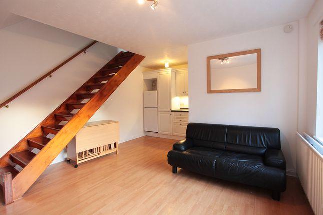 Thumbnail Flat to rent in Fernside Road, London