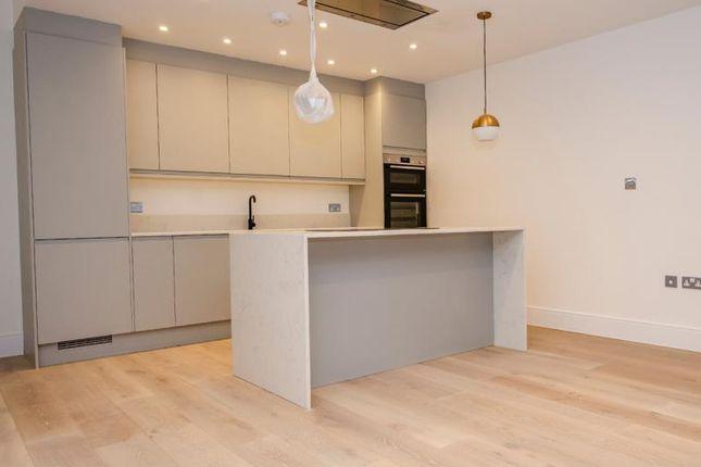 A Kitchen E of Brownlow Road, London N11