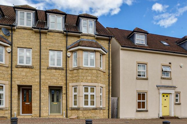 3 bed town house for sale in Freestone Way, Corsham SN13