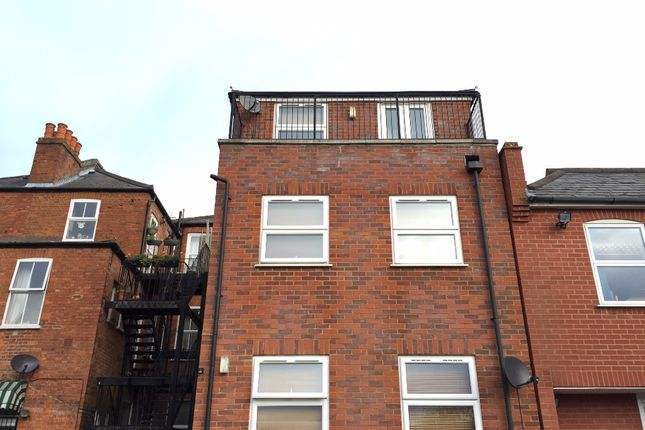 1 bed flat for sale in High Street, Egham