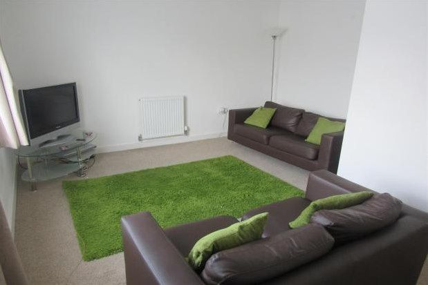 Thumbnail Town house to rent in Cambridge Place, Salford