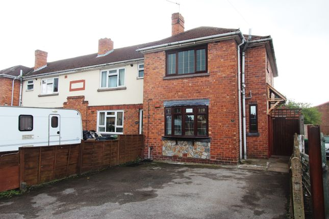 3 bed semi-detached house to rent in Michael Road, Wednesbury, West Midlands