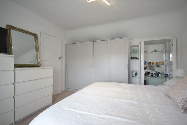 Bed 1 Alt of Hook Road, Epsom KT19