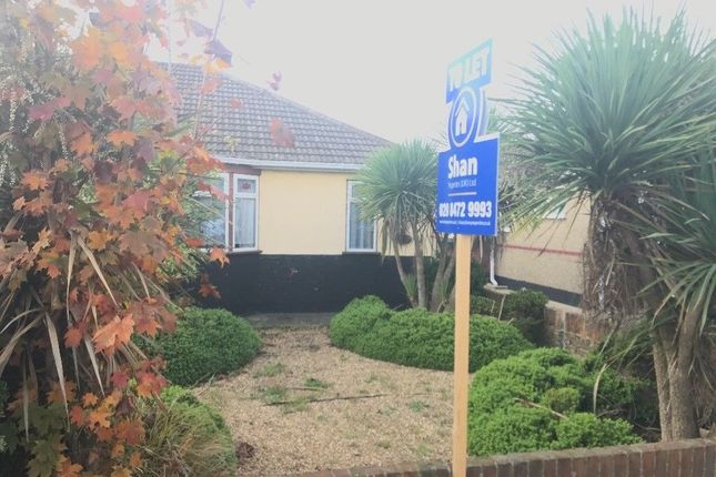 Thumbnail Bungalow to rent in Victoria Road, Grays