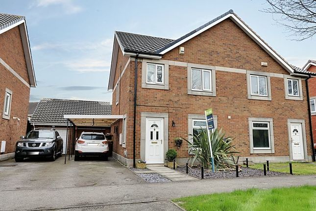 Thumbnail Semi-detached house for sale in South Bridge Road, Hull