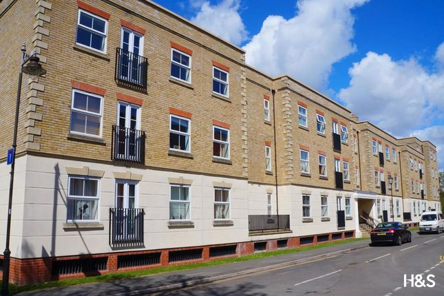 2 bed flat for sale in Dickens Heath Road, Shirley, Solihull B90