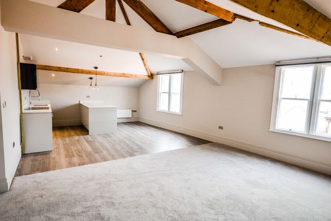 Thumbnail Flat to rent in Kingsway, Altrincham