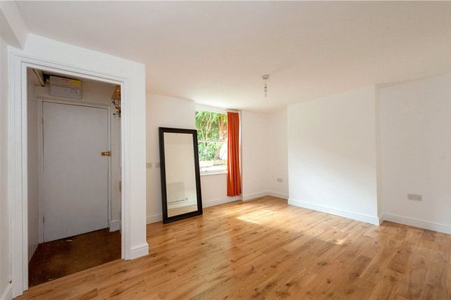 Picture No. 04 of Cephas Avenue, Stepney Green, London E1