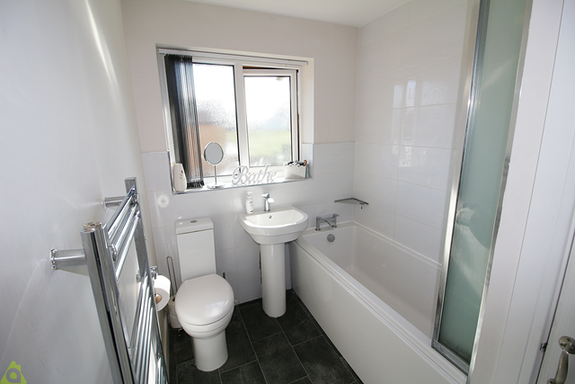 Family Bathroom of Collingwood Way, Westhoughton, Bolton BL5