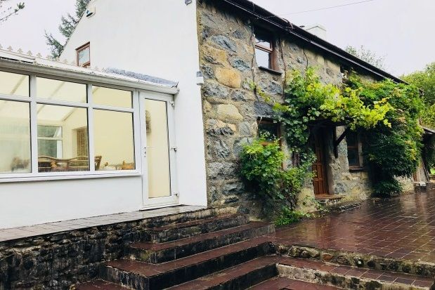 Thumbnail Property to rent in Llanbedrog, Pwllheli
