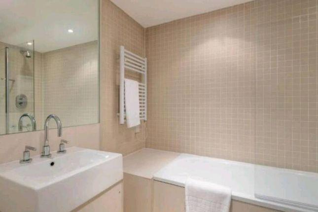 Bathroom of George Street, Manchester City Centre M1