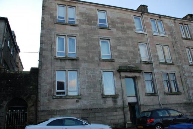 Thumbnail Flat to rent in Wellington Street, Greenock Unfurnished