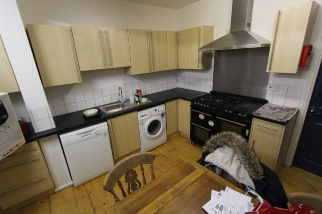 Thumbnail Property to rent in Linden Grove, Manchester