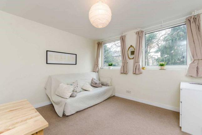 Thumbnail Flat to rent in Rowfant Road, Tooting Bec