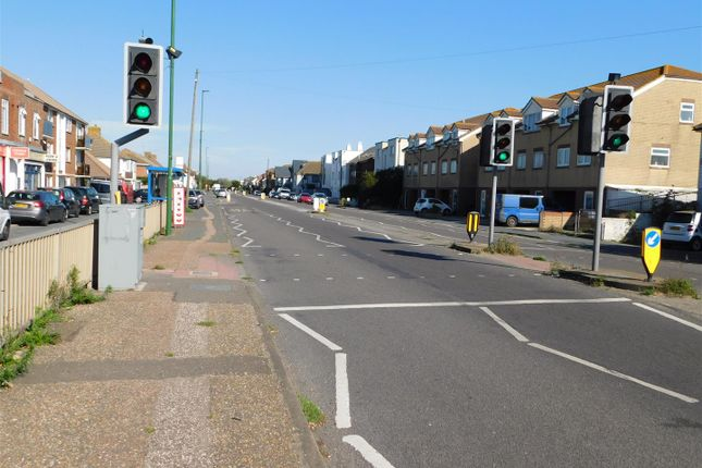 Dscn0365 of Brighton Road, Lancing BN15