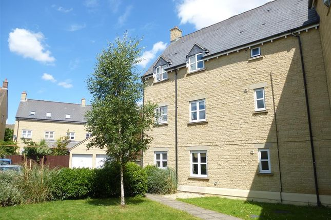 Thumbnail Flat to rent in Cherry Tree Way, Carterton