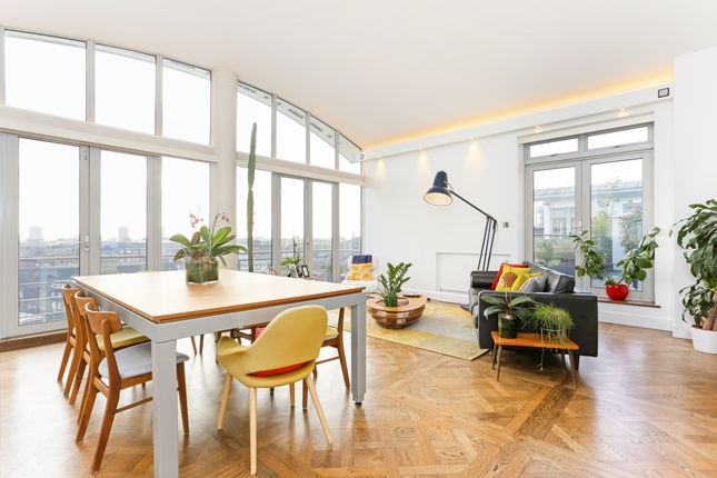 Thumbnail Flat to rent in Star Place, London