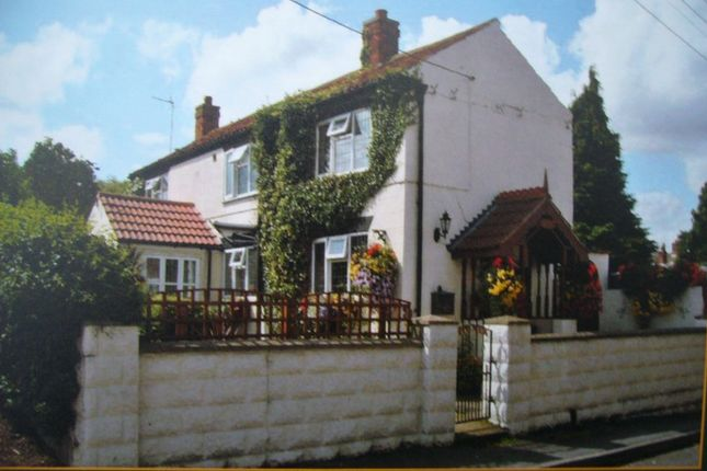 Thumbnail Cottage for sale in Silver Street, Waddingham, Lincolnshire
