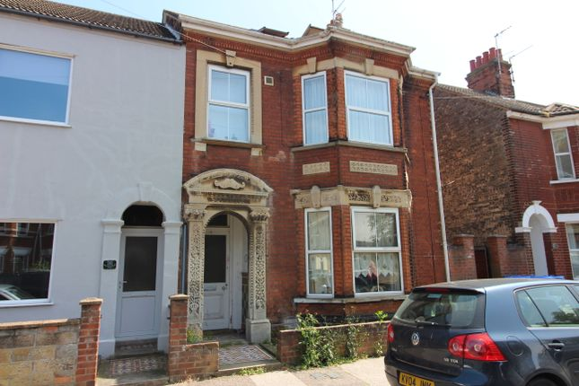 Thumbnail Flat to rent in Beresford Road, Lowestoft