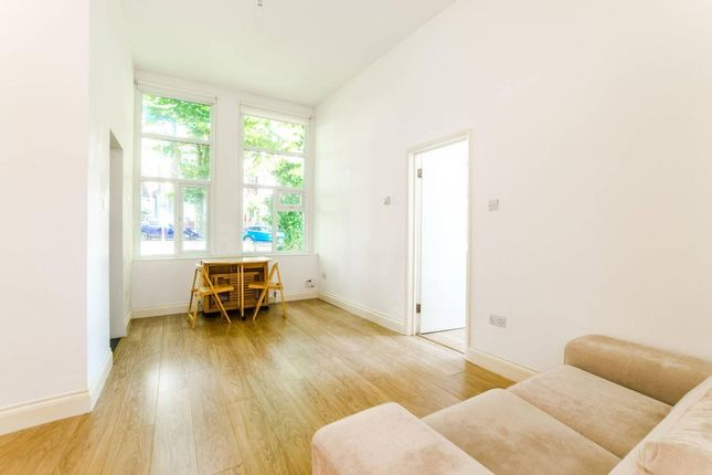 Thumbnail Flat to rent in Mountview Road, Stroud Green, London