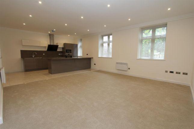 Thumbnail Flat to rent in Sandhill Lane, Alwoodley, Leeds