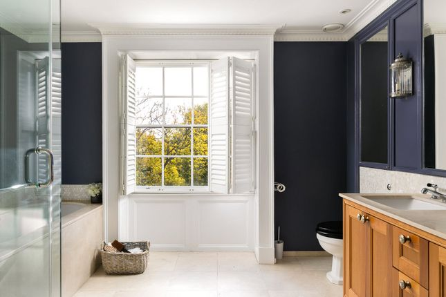 Picture No. 32 of Earls Terrace, Kensington W8