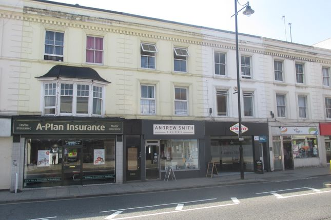 2 bed flat to rent in West Street, Fareham, Hampshire
