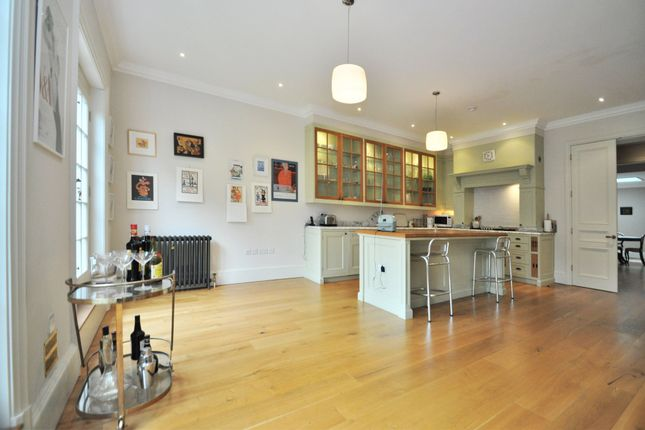 Thumbnail Town house for sale in Woodclyffe Drive, Chislehurst