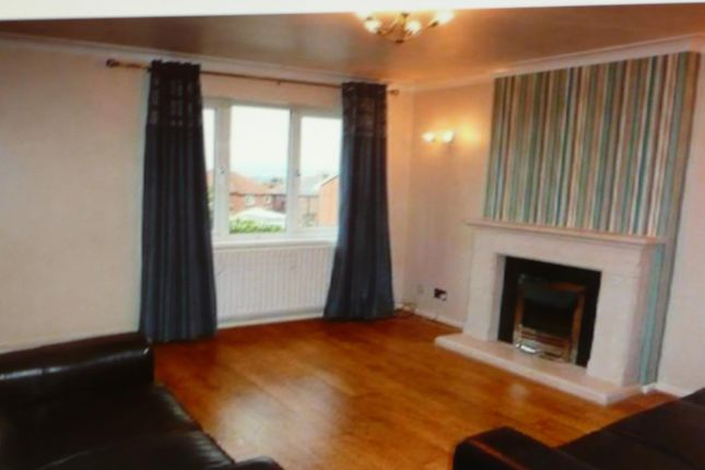 Thumbnail Flat to rent in Austwick Close, Mapplewell, Barnsley