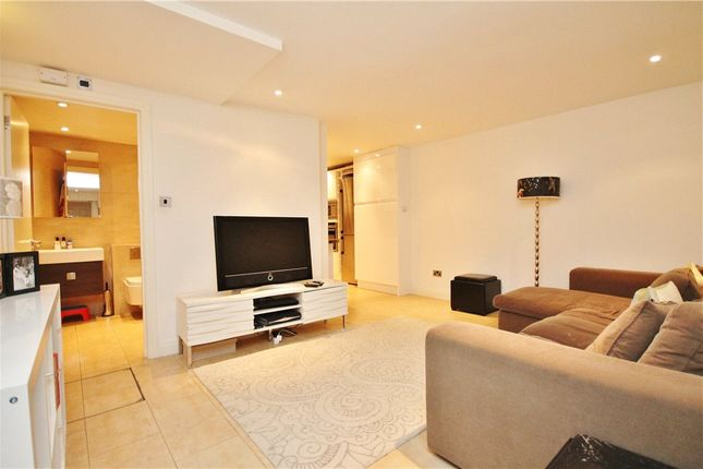 Thumbnail Flat to rent in Wells Road, Shepherds Bush