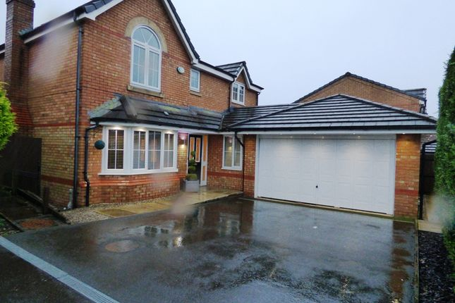4 bed detached house to rent in Sandileigh Drive, Sandileigh Park, Bolton BL1
