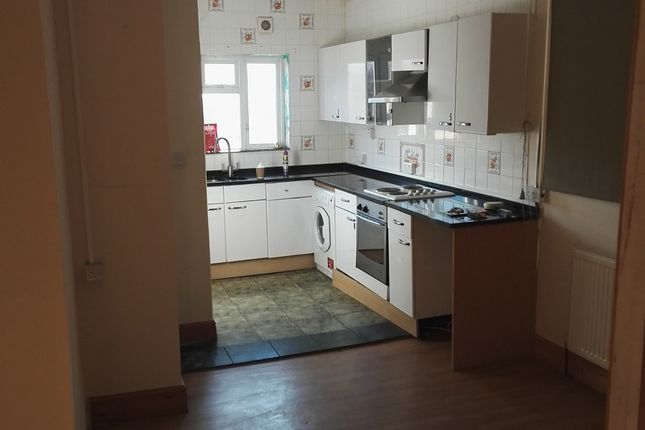 Flat to rent in Cherry Orchard Road, Croydon