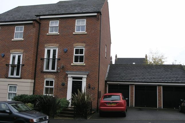 Thumbnail Terraced house for sale in Ross, Rowley Regis