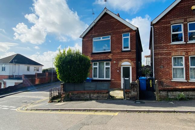 Thumbnail Flat to rent in Albert Road, Parkstone, Poole