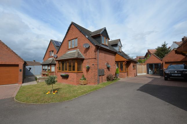 Thumbnail Detached house for sale in Roman Way, Dordon, Tamworth