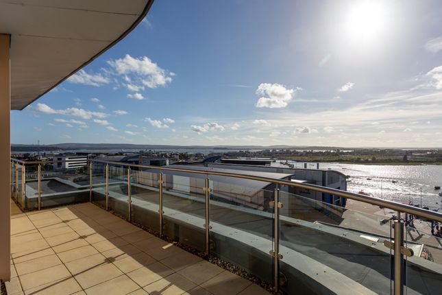 Flat for sale in Lifeboat Quay, Poole