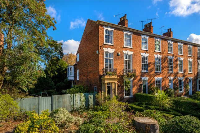 Thumbnail Town house for sale in London Road, Newark