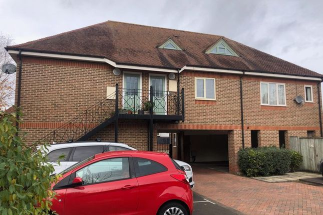 1 bed flat to rent in Liston Road, Marlow SL7