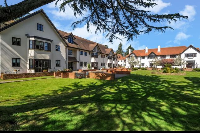Thumbnail Flat to rent in Stretton Close, Penn, Penn, High Wycombe