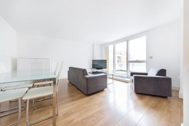 Flat for sale in Caspian Wharf, 1 Yeo Street, Bow