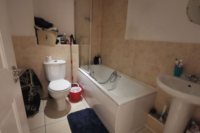 Photograph 7 of Wilton Place, Salford M3