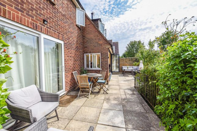 Terrace of Wallingford Road, Goring, Reading RG8