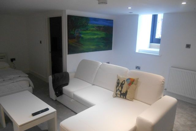 Thumbnail Flat to rent in City Road Studio, St Andrews, Fife